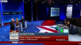 US Democratic debate_ Clinton makes Isis recruiter jibe at Trump