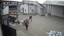 Как грузчики водку разгружали)) Смеялся до утра)))