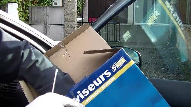 Autre méthode pour changer un rétroviseur de voiture