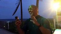 """Dwayne Johnson annonce le retour de David Hasselhoff pour le film """"Alerte à Malibu"""""""