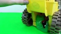 Disney Pixar Cars Lightning McQueen & Mater get Slimed by Disney Cars Screaming Banshee