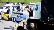 Utiliser un trans-palette pour faire monter une femme obèse dans un camion