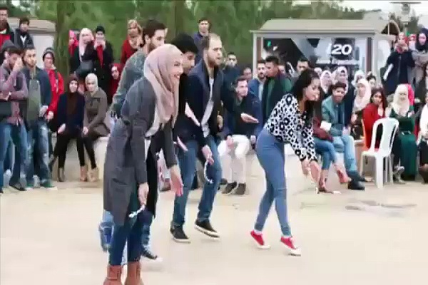 Students Grils Dancing Out of University–Top Funny Videos-Top Prank Videos-Top Vines Videos-Viral Video-Funny Fails