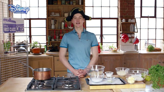 Disney First Class Chefs ♥ Cook a long Apple Crumble ♥