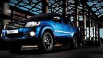 2015   Toyota Hilux VS Nissan NP300 Navara    Visual Comparison
