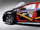 Prueba de la nueva tecnología del Volvo V40: el airbag para peatones
