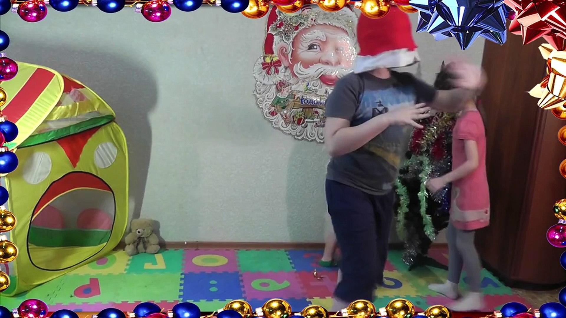С Новым Годом, танцы, елочка, поздравления / Happy New Year, dancing, Christmas tree