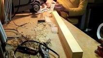 Un outil japonais très bien aiguisé qui permet de faire des feuilles de bois