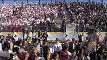 Miles de fieles reciben al papa a su llegada al aeropuerto de Ciudad Juárez