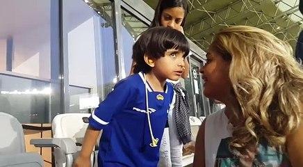 Matheus comemora gol de Rafael Silva sobre o Fluminense