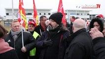 Webhelp : les salariés débrayent pour dénoncer le licenciement d'une élue CGT