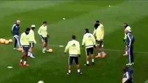 Cristiano Ronaldo tries to nutmeg  Zinedine Zidane! // Cristiano Ronaldo intentó hacerle un caño a Zidane ¿Lo logró