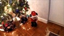 Pere Noel qui danse | Dancing Santa | Christmas toys
