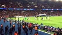 PSG vs. Chelsea : un CRS menace des supporters avec sa bombe lacrymogène