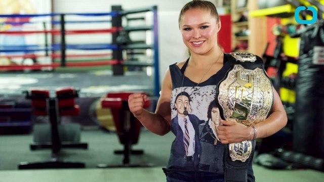 Ronda Rousey Apologizes for Photoshopped Upload