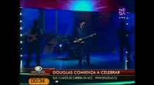Douglas canta Duele en Morandé con Compañía