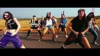 Aaj Mood Ishqholic Hai Video Song