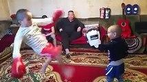 Küçük ninjalardan dövüş dersi