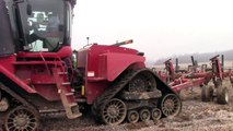 Awesome Big Tractor Power John Deere 9RX and Case IH Quadtrac Plowing