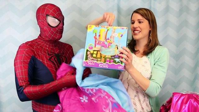 HUGE SURPRISE Toys BAG Frozen Elsa Anna Sleeping Bag With Peppa Pig Surprise Eggs Shopkins Spiderman