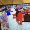 Vidéo: Regarder cet homme tente de voler 2 grosses caisses de bières dans un super marché