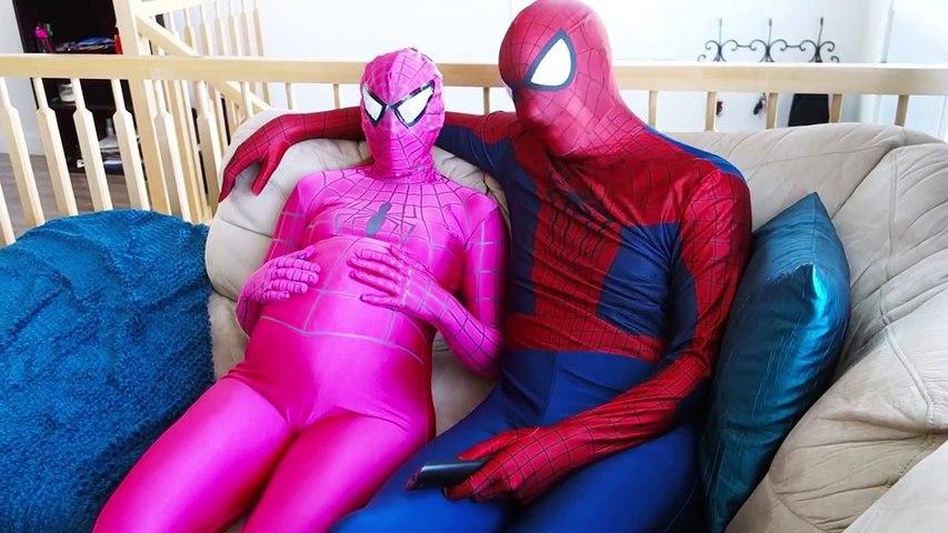 Spiderman & Pink Spidergirl Pregnant w/ Frozen Anna! Spiderbaby is born! Superhero Fun in Real Life