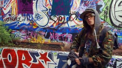 Stéphie Graf, 28 ans, Street artist - Filles d'Aujourd'hui du 07/03/15 - CANAL+