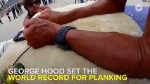 A 57 ans, il bat le record du monde de gainage !