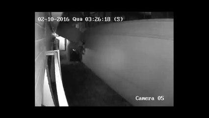 Câmeras de segurança flagram furto no Condomínio Edifício Itaporã