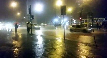 Chuva na Praça Sete