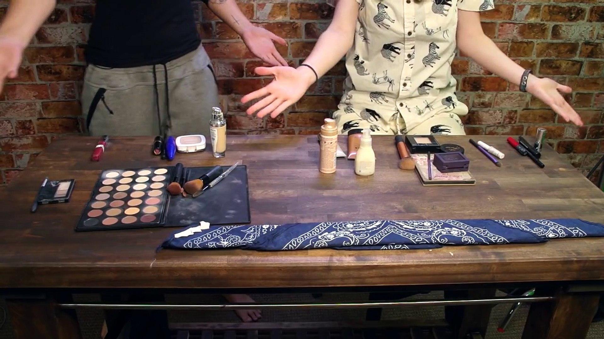 Blindfold Makeup Challenge with SAARA-Smoukahontas