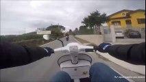 Humiliation d'un motard par un scooter