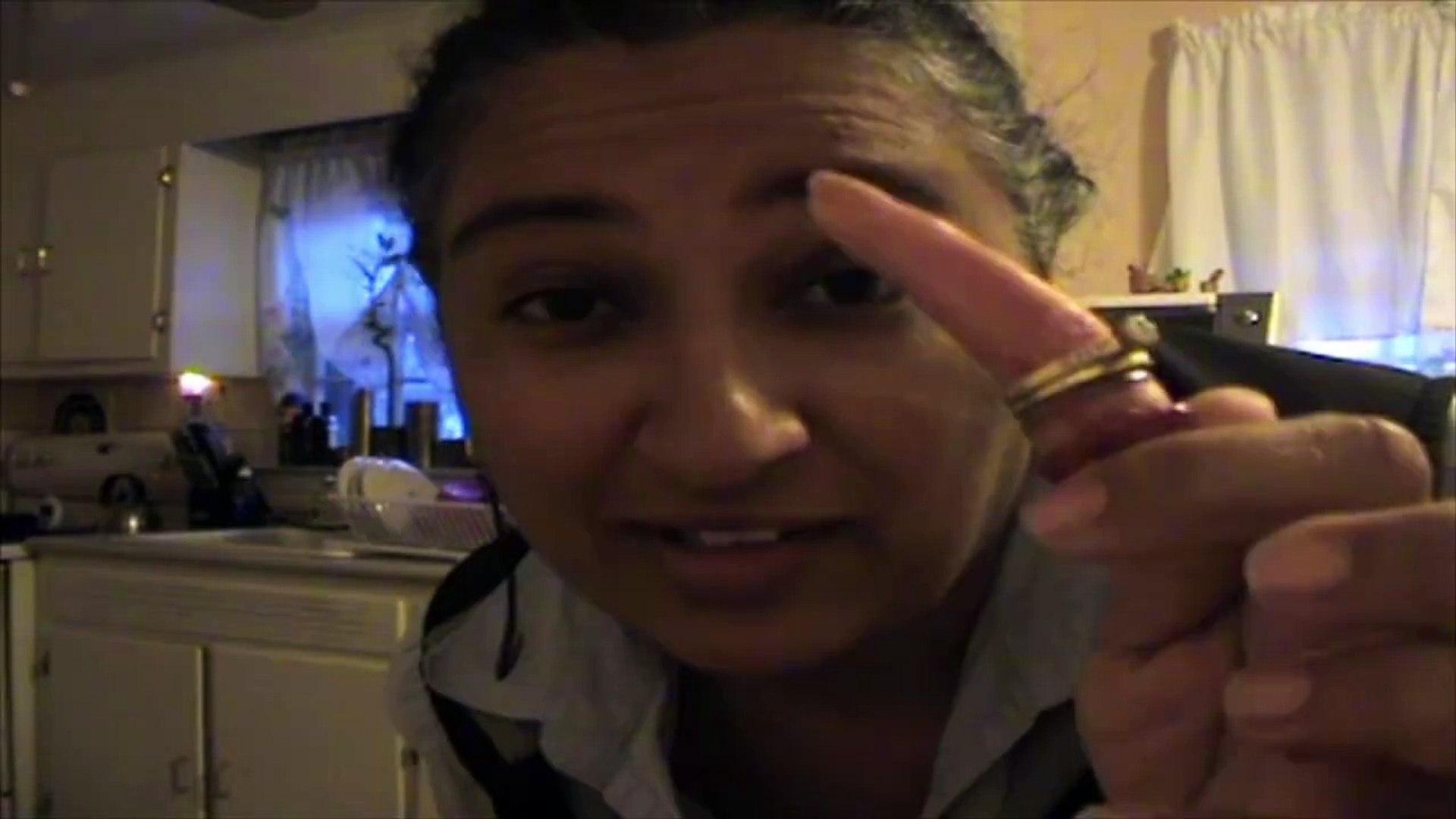 Vicces videók 20-Daughter Pranks Mom With Fake Severed Finger