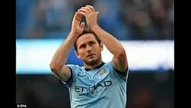 Frank Lampard claps to the Chelsea fans after City match