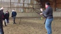 Ils apprennent le le tir à l'arc à pied avant de pratiquer à cheval