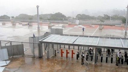 Chuva forte causa transtornos no Mineirão antes do clássico entre Cruzeiro e América