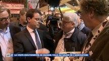 """Manuel Valls se fait traiter de """"petit zizi"""" - ZAPPING ACTU DU 29/02/2016"""