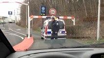 Quand la police rencontre quelques difficultés - La honte
