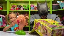 ✔ Batman. Видео для детей. Ярослава и Бэтмен играют в игру Gooey Louie. Развивающие игры ✔
