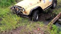 Mud Trucks 4x4 Extreme Mud Bogging in CRAZY MUD BOG