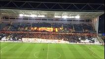 Les Red Tigers déploient leur tifo lors du match Lens - Evian ce lundi 29 février à Bollaert