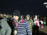 """Migrations: une crise """"mondiale"""" selon John Kerry, incidents à la frontière gréco-macédonienne"""