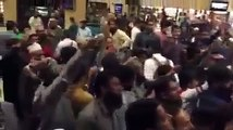 Shoes Thrown on Pervaiz Rasheed at Karachi Airport (Exclusive Video)