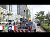 Xe bồn lật ngang đường khiến giao thông TP HCM hỗn loạn | LATV