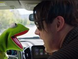 Kermit (the Frog) sings Andrew Thureson