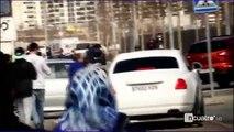 ¡En peligro! ¡Cruzan un coche en mitad de la carretera para detener a Cristiano Ronaldo!