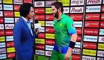 Shahid Afridi Playing with Ramiz Raja Hair during Presentation