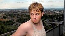GB: L'apparition d'un jeune acteur entièrement nu fait fuir la moitié des téléspectateurs de BBC2