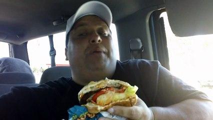Carls Jr. Buffalo Blue Cheese Burger REVIEW!!