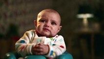 Pas de Panique ! Un bébé propre est à portée de lingette Pampers